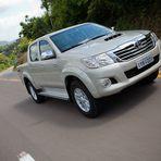 Pick-up Toyota Hilux terá nova versão flex automática abaixo de R$ 100 mil