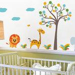 Decoração de quarto de bebê com adesivo