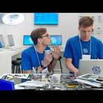 Em anúncios, Samsung ataca novos lançamentos da Apple.