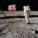 Curiosidades - Afinal, por que Neil Armstrong foi escolhido para ser o primeiro a pisar na Lua?