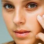 Mulher - Fórmula caseira de máscara contra manchas do rosto