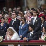 Papa realiza casamento de casais que já moram juntos e tem filhos