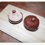 Cupcake Chocolate Com Brigadeiro e Cupcake de Chocolate Com Cream Cheese