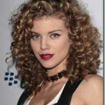 Mulher - Opções de cortes para cabelos cacheados médios