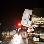 Acidente->Motorista morre após colisão frontal na BR-364
