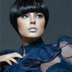 Celebridades - A atriz chamou a atenção dos seguidores no Instagram ao divulgar a imagem em que aparece com um look completamente difer