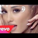 Novo clipe de Ariana Grande faz referências a filmes e seriados nerds