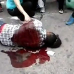 Vídeo mostra o momento em que um policial atira na cabeça e mata um vendedor ambulante
