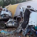 Colisão entre Carreta e caminhão deixa motoristas mortos no interior da Bahia