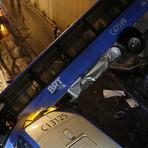 Motorista de ônibus que caiu de viaduto é transferido de hospital