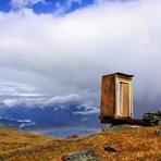 O banheiro mais perigoso do mundo nas Montanhas de Altai