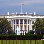Homem armado invade a Casa Branca com uma faca