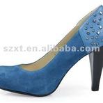 Sapatos de salto alto grosso azul