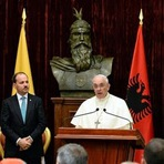 Papa Francisco diz que teria medo de Madre Teresa se fosse sua superiora