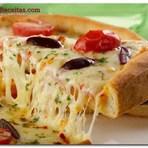 Receita Pizza caseira com dois queijos