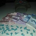 Rapaz é detido com dinheiro e mais de 30 pedras de crack em Itajaí