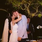 No altar, finalmente o primeiro beijo, depois de 1 ano e 3 meses de namoro