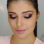 Maquiagem: Rosa Dramático