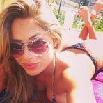 Ex-BBB Renatinha usa e abusa da sensualidade