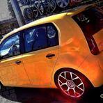 Automóveis - Novo up! amarelo, rebaixado na fixa e aro 17