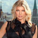 Fergie apresenta sua nova música L.A. Love (La La)