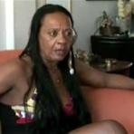 Na TV, ex-chacrete diz ter usado drogas e saído com homens por dinheiro