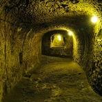 Homem encontrou túnel em sua casa... e você não vai acreditar para onde ele levava
