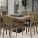 Mesa de 8 cadeiras quadrada