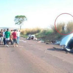 Assustador: Após acidente com morte no Paraná vulto aparece de mãos dadas