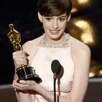 Anne Hathaway revela que a fama mexeu-la por muito tempo