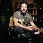 Eddie Vedder, vocalista do Pearl Jam,  faz cover de Imagine de John Lennon