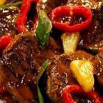 Culinária - Receita: Bife ao Molho de Pimentão e Abacaxi
