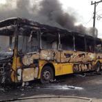 Cinema - Ônibus é incendiado na tarde desta sexta-feira na zona Sul de Joinville
