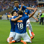 Cruzeiro vence o vice-líder Inter e amplia a folga no topo para 9 pontos