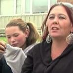 Nos EUA, mãe pega filha matando aula e posta vídeo do flagra no Facebook