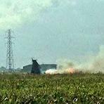 Internacional - Um jato militar americano caiu em um campo em Lincolnshire hoje