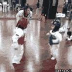 Outros - Enquanto isso na aula de lutas marciais