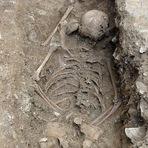 Escavação na Itália encontra túmulo de menina Bruxa