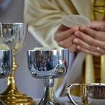 Já Participo das Missas Durante a Semana, Preciso Também Participar aos Domingos?