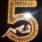 Gisele Bündchen estrela a nova campanha do clássico Chanel Nº 5