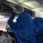 Internacional - Idiota Brinca de Ebola em Avião e Causa o maior Pânico