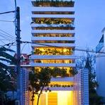 Arquitetura verde de uma casa integrada a natureza