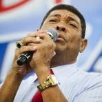 Para pagar TV, pastor exige que fiéis doem R$ 15 milhões