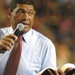 Pastor exige que fiéis doem R$ 15 milhões para pagar TV
