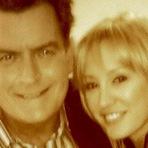 Charlie Sheen termina com noiva semanas antes do casamento