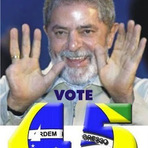 Utilidade Pública - É só levantar as mãos que Lula mostra...
