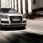Automóveis - Audi Q7 tiptronic Suv