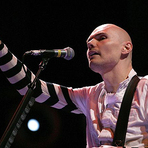 Música - Smashing Pumpkins libera a inédita Being Beige