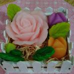 Aprenda à Fazer lindas flores de Sabonete! Que decoram e perfumam o ambiente!