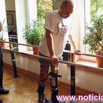 Paraplégico volta a andar após cirurgia revolucionária